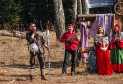 Необычные костюмы, песни под гитару и соревнования: как прошли майские слёты у двух спортивных клубов ТУСУРа